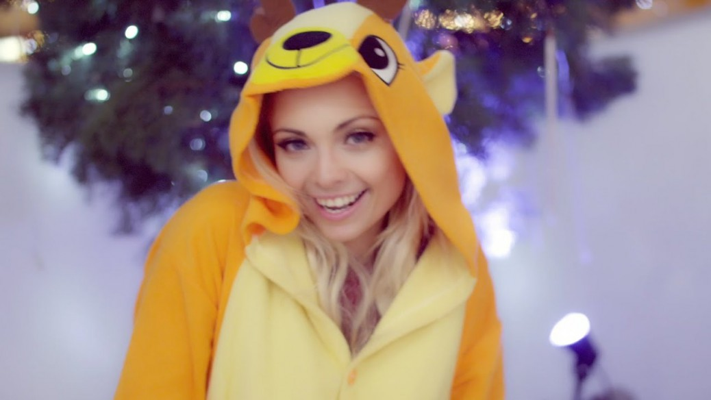 Katja-Glieson-Winter-Wonderland-Christmas-Tringle