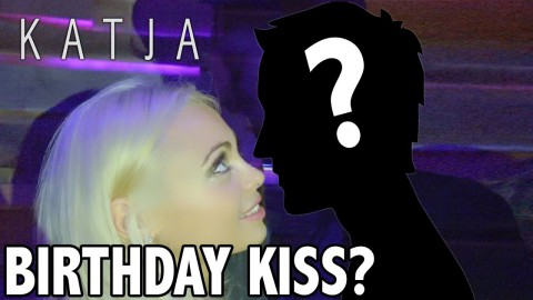 BIRTHDAY KISS? + CELEBRATIONS w Jake Paul, Justin Roberts, Tristan Tales, Amanda Cerny, Curtis