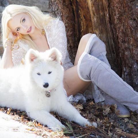 Where the wild things grow… #SnowQueen #WhiteWolf #Samoyed