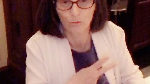 VIDEO: My mother, the savage #thuglife